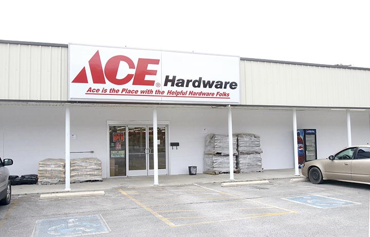 ACE HARDWARE OPENS – Carthage Courier
