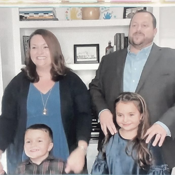 hensley-family-color-inside